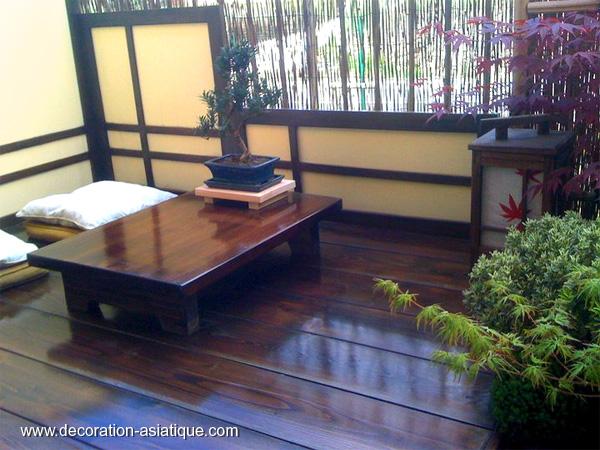 cr er un espace japonais sur un balcon. Black Bedroom Furniture Sets. Home Design Ideas