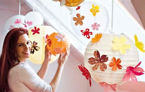D corer une boule japonaise avec des fleurs de cerisier - Boule de noel plastique a decorer ...