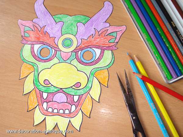Masque de dragon à colorier